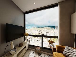 Una gran televisión de pantalla plana montada en una pared en Zadar