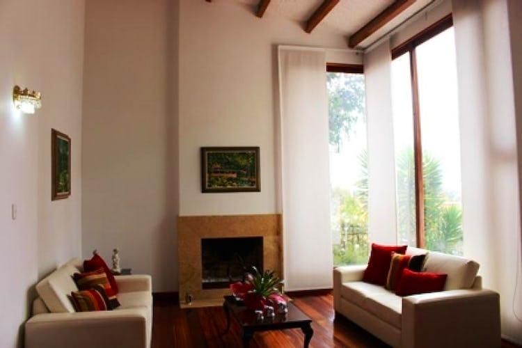 Portada Casa En Santa Ana, Usaquén, 4 Habitaciones- 480m2.