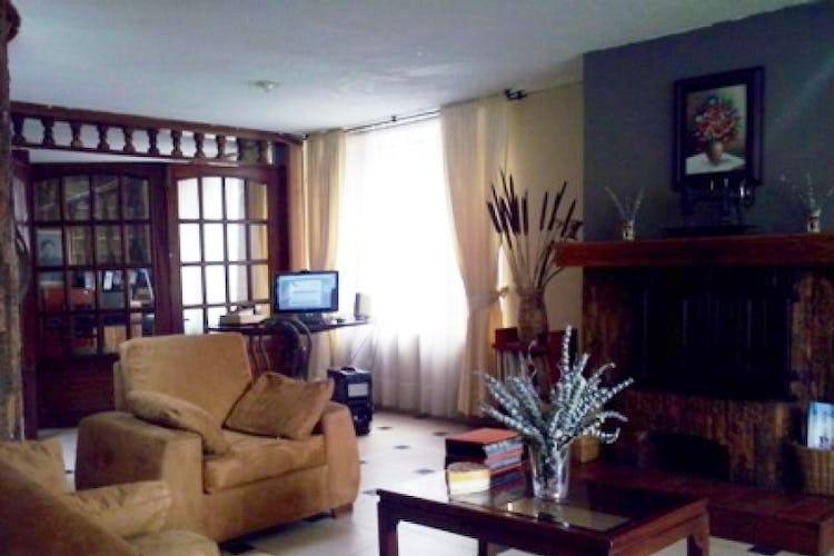 Portada Casa En Belalcazar, Teusaquillo, 5 Habitaciones- 290m2.