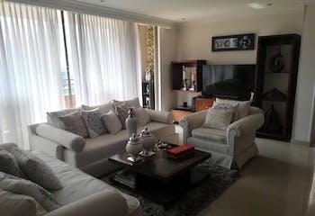 Apartamento en Santa Maria de los Angeles, Poblado - 140mt, dos alcobas, balcón