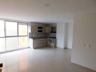 Una cocina con nevera y fregadero en Apartamento en Campo Alegre, La America - 86mt, duplex, dos alcobas