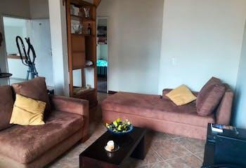 Apartamento en Los Colores, Medellin - Cuatro pisos