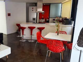 Una sala de estar llena de muebles y una mesa en Departamento en venta en Hipódromo Condesa,   117 m² con excelentes amenidades