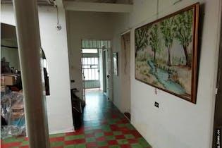 Casalote en Alcala, Envigado con 5 habitaciones.