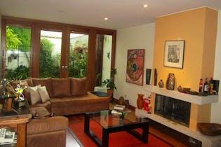 Casa en venta en Barrio Usaquén, 308m² con Jardín...