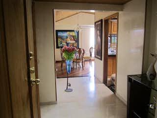 Una imagen de una sala de estar en una casa en Apartamento En Venta En Bogota La Calleja-Usaquén