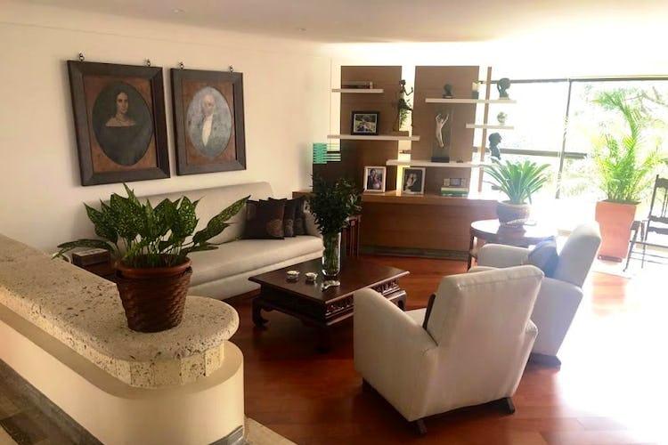 Portada Apartamento Santa Maria de los Angeles, Poblado - Cuatro alcobas