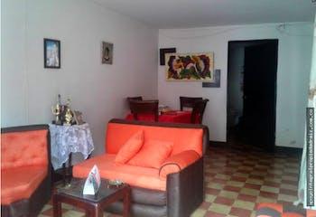 Casa Lote Pedregal - 140 mts, 2 habitaciones, 1 baño.