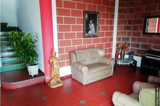 Casa en venta en Sabaneta de 6 habitaciones