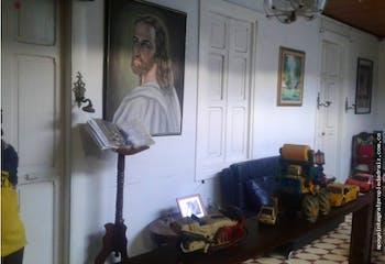 Casa Lote en Boston, Medellín con 5 habitaciones y garaje - 196 mt2.