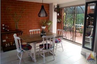 Casa en venta en Envigado de 2 hab.