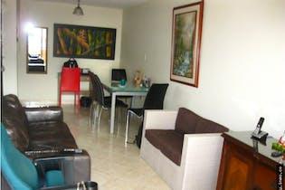 Apartamento en venta en Itagui, Centro con 4 habitaciones, Piso 4-84mt2.