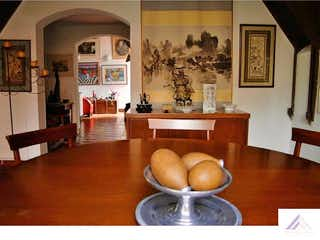 Una sala de estar llena de muebles y decoración en Casa en multicentro - 245 mts - 667 mts lote, 3 habitaciones.