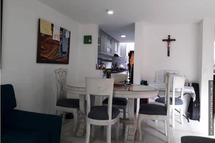 Portada Casa en Chía, Cundinamarcar con 2 niveles y 4 habitaciones - 98mt2.