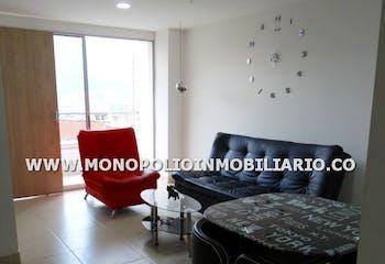 Apartamento en Cabañitas, Bello - 96mt, tres alcobas, balcón