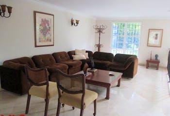 Casa en venta en Los Balsos, 375mt de tres niveles