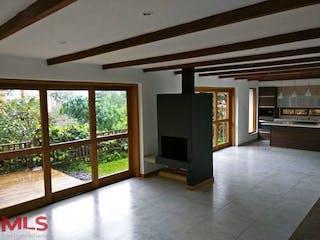 Una vista de una sala de estar y una sala de estar en Parcelación Guadalquivir