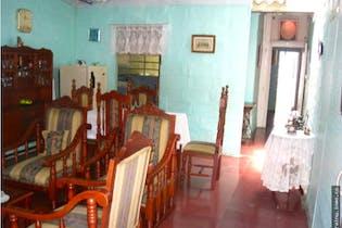 Casa de 162m2 en Pilsen, Itagüí - de dos niveles