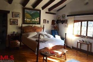 Casa en venta en La Aguacatala de 6 hab. con Jardín...
