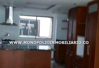 Casa Bifamiliar en Alcalá, Envigado con 2 habitaciones y garaje - 92 mt2.