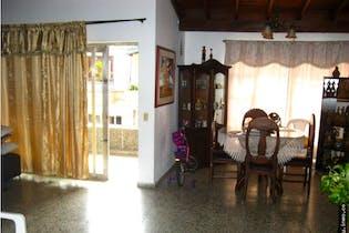 Casa en venta en Itagüí de 4 alcobas