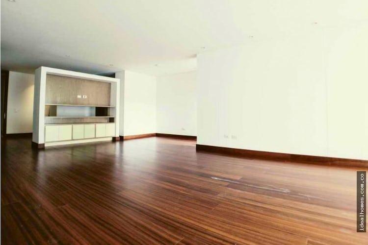 Portada Apartamento en venta en Colina Campestre, Con  3 Habitaciones-310mt2