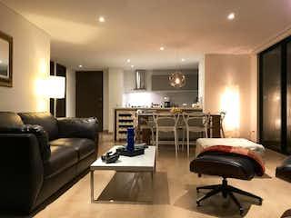 Una sala de estar llena de muebles y una televisión de pantalla plana en Conjunto Campo Di Flori