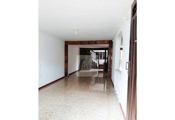 Casa de 186m2 en El Remanso, Copacabana - de dos niveles