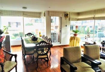Apartamento en San Patricio, Santa Barbara - 142mt, tres alcobas, chimenea
