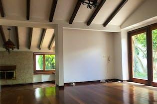 Casa de 345m2 en Santa Ana, Bogotá - terreno de 632m2