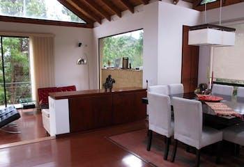 Casa de 288m2 en condominio de La Calera - tres habitaciones c/u con baño
