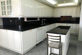 Apartamento en Bosque Medina - 262 mts, 8 parqueaderos.