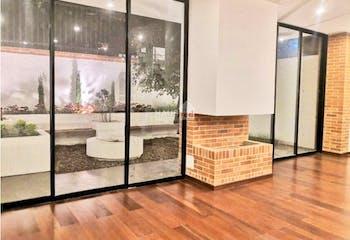 Casa en Chía, con 3 niveles y 4 habitaciones - 370 mt2.