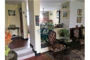 Casa de 286m2 en Las Villas, Bogotá - con cinco habitaciones