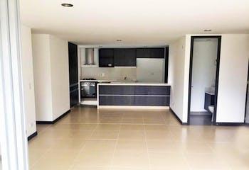 Apartamento en Loma de las Brujas, Envigado - 129mt, dos alcobas, balcón