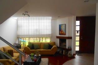 Casa en venta en Casco Urbano Chía de 67m² con Jardín...