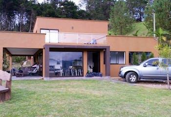 Casa En Rionegro - Antioquia, con dos niveles