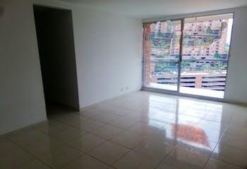 Apartamento de 75m2 en Loma de los Bernal, Belén - con tres habitaciones