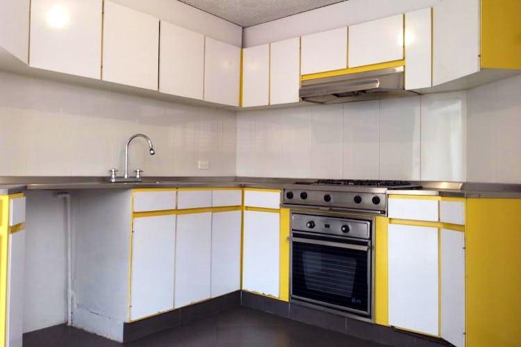 Portada Apartamento en Santa Barbara -144 mts, 3 alcobas, 4 parqueaderos.