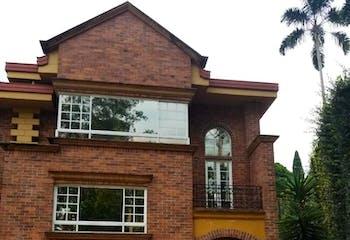 Casa en Condominio En Envigado - Escobero, cuenta con tres niveles