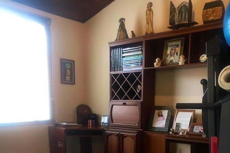 Portada Casa en Mirandela, Suba - Tres alcobas