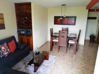 Una sala de estar llena de muebles y una chimenea en Apartamento en venta en Suramerica, Itagui.