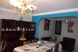 Casa En Bogota - San Rafael, cuenta con tres niveles