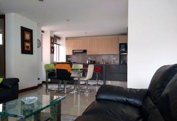 Apartamento en Loma de Cumbres, Envigado con 3 habitaciones y balcón - 98 mt2.