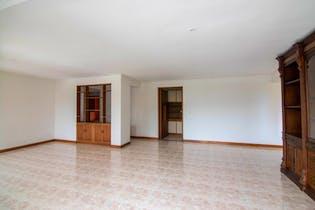 Apartamento en El Campestre, El Poblado con 3 habitaciones y balcón - 180 mt2.