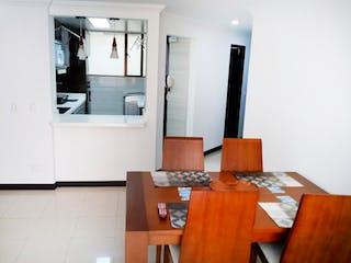 Una sala de estar llena de muebles y una televisión de pantalla plana en Apartamento En Venta En Bogota Cedro Golf-Usaquén