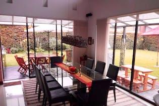 Casa en Chía, con 2 niveles y chimenea - 447,54 mt2.