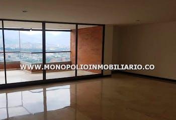 Apartamento en Santa María de los Ángeles, El Poblado con 3 habitaciones y parquedero - 250 mt2.