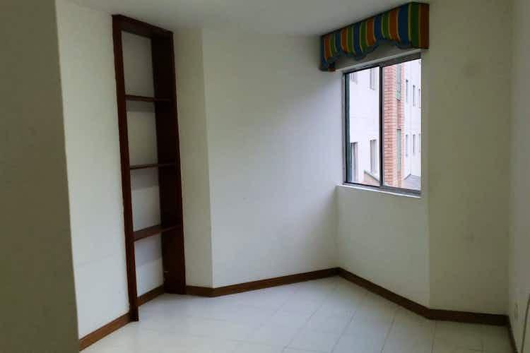 Portada Apartamento en Calasanz, La America -80mt, tres alcobas