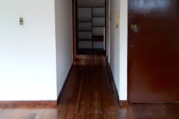 Portada Apartamento en Galerias - Bogota, cuenta con tres habitaciones